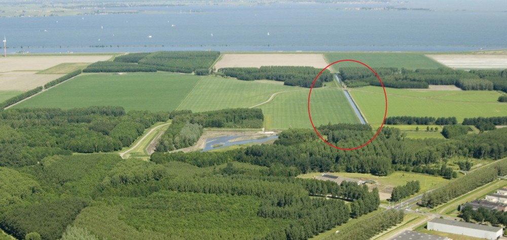 Almere_luchtfoto Pampushout_Hoge Wetering (Galjoottocht) inzoom.jpg